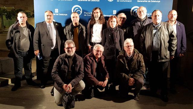 Foto con los integrantes del equipo de L'altra ràdio en el